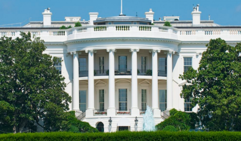 White House Staff Has Major Surprise Waiting For Them On Their Way Into Work This Morning, This Will Ruin Their Day (IMAGE)