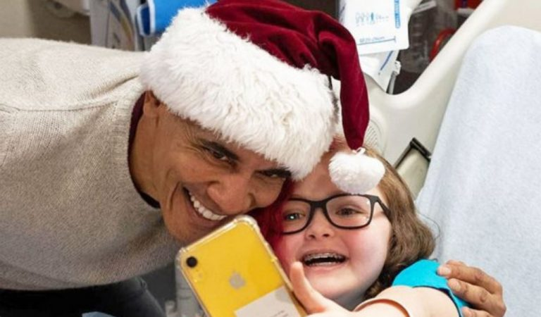 President Obama Just Surprised Children At Hospital With Presents; Anyone Imagine Trump Doing The Same?