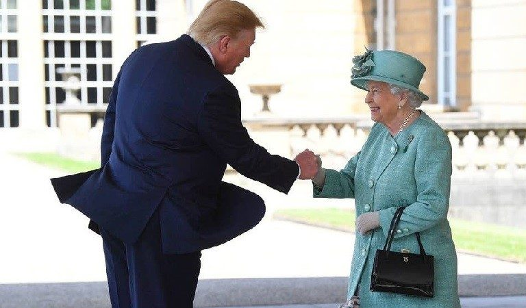 """Trump Just """"Fist Bumped"""" The Queen Of England During Awkward Exchange"""