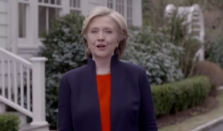 Hillary Clinton Just Trolled The Entire GOP With One Single Image
